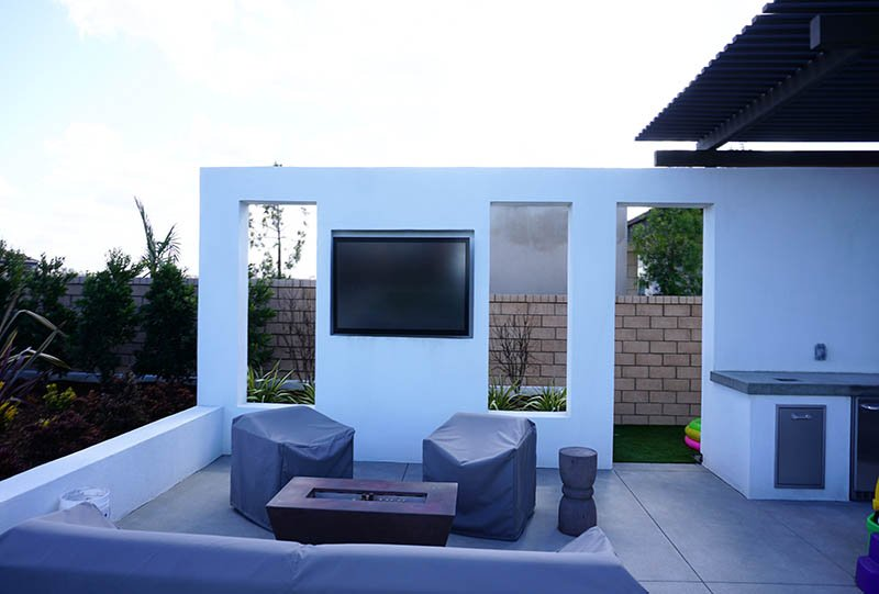 75 Inch Séura Outdoor TV